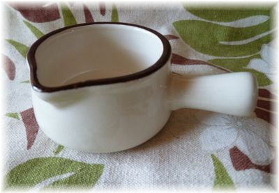 セリア ホーロー風ソースボウル ミルクパン型